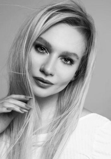 Анна Лысенко: «Никто не уйдет от меня без умений ровно рисовать стрелки, делать четкий контур губ и красивые яркие тушевки»