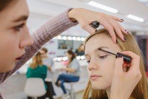 Как самостоятельно покрасить и правильно выщипать брови: 18 секретных правил идеальных бровей